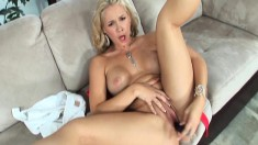 Blonde sex goddess knows how to spread her legs and turn you on