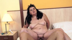 Old chubby bitch uses her vibrator before and during getting drilled