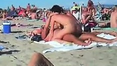 Cuckolding In A Beach Gets Recorded