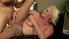 Lapdance And Blowjob Made By Big Boobs Blonde