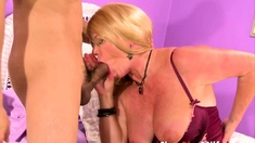 Blonde cougar mastering hard cock as a pro